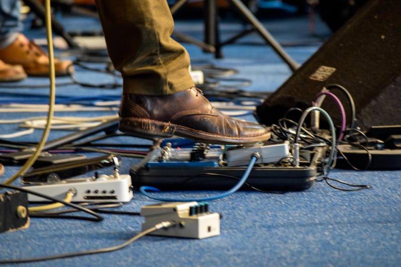 U2 JT Trinders Feet
