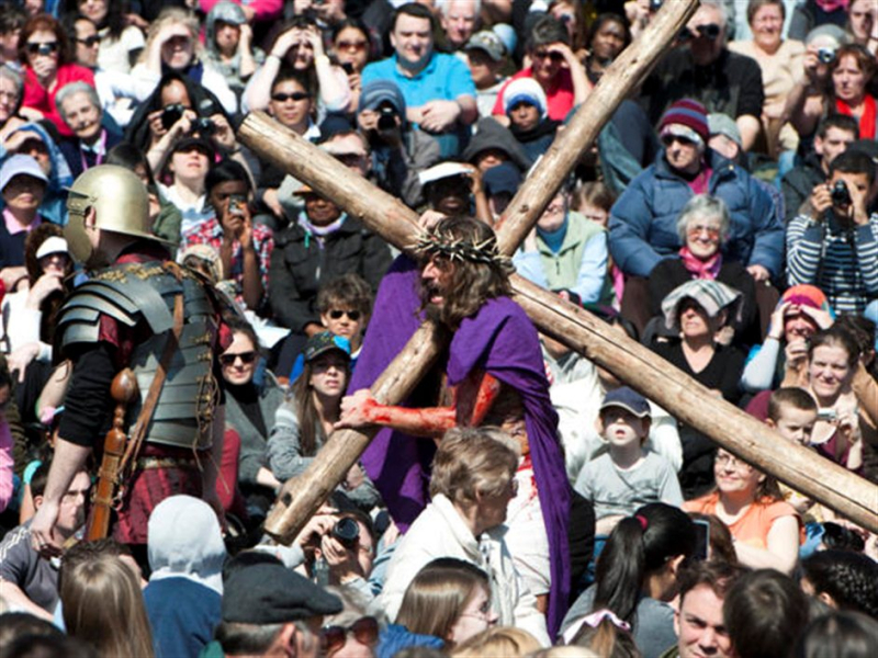Jesus Cross and crowds